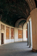 Villa Giulia. Colonadă